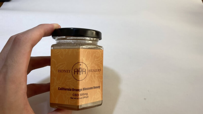【レビューまとめ】蜂蜜としてのレベルが高く、甘みとフルーティーな香りが美味しい!CBDは500mgと初めてでも食べやすい量でグッド◎